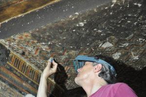 Limpieza mecánica, cielorraso de la capilla (Verin 2020)