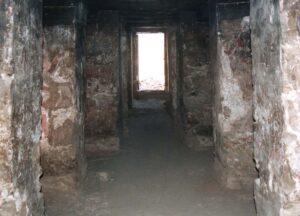 Vista desde la capilla al finalizar la primera campaña de trabajo en el sitio (2000)